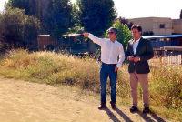 Daniel Pérez Muñoz, visita los terrenos donde irán ubicadas las nuevas piscinas municipales