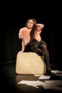 La maleta de Eva, un teatrolokio para reflexionar sobre la identidad femenina