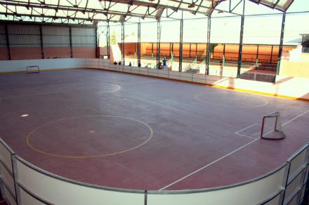Galapagar estrena pista de hockey y patinaje