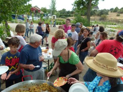 Los huertos urbanos celebran su primera comida comunitaria