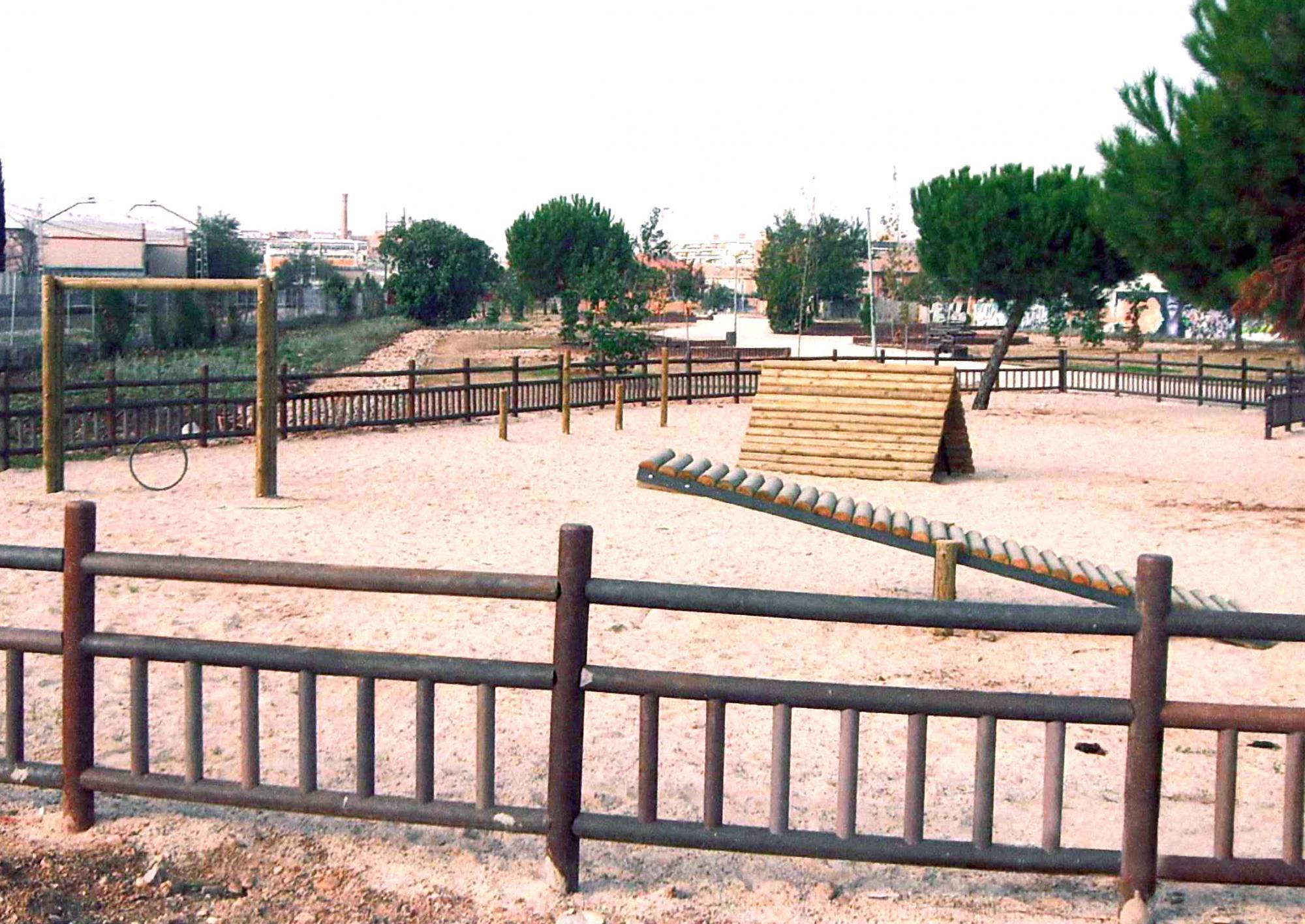 Galapagar contará con la primera zona acotada para perros que incluirá un circuito deportivo.