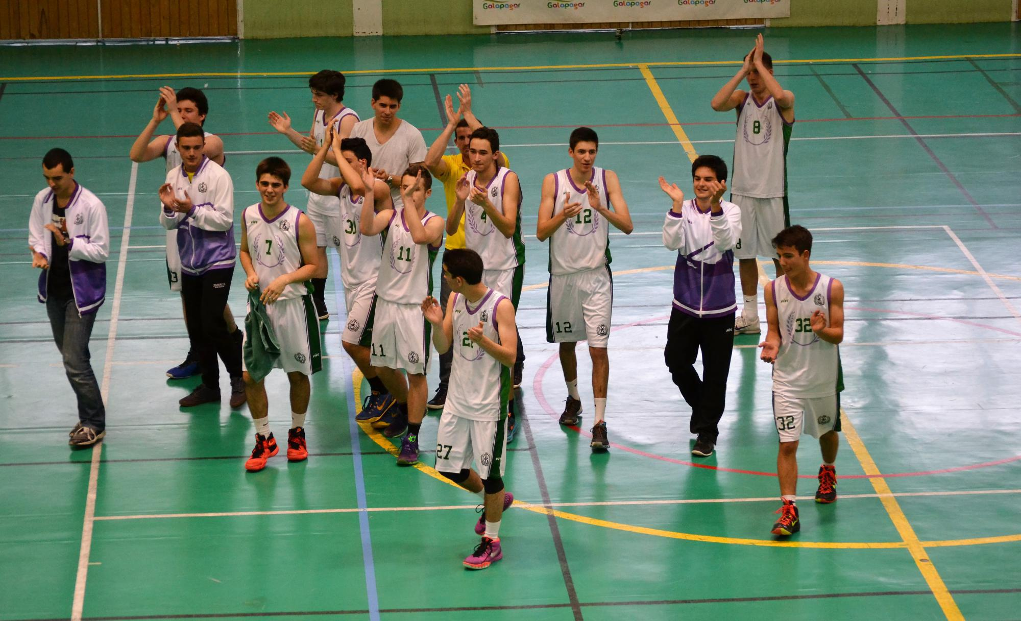 En Torrelodones, partidazo de Liga de baloncesto en el María de Villota