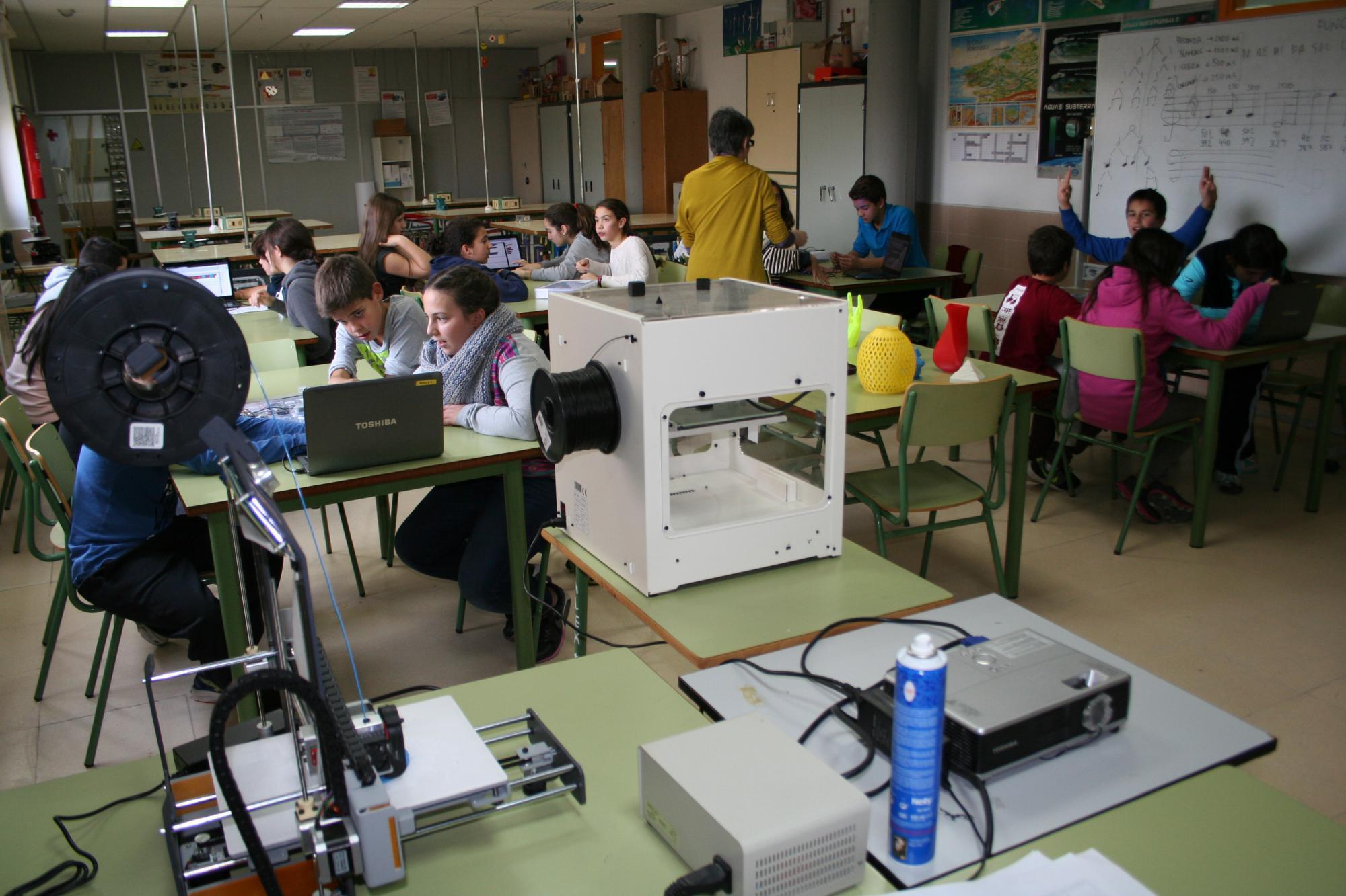 Club de robótica en el Instituto García Lorca, de Las Matas