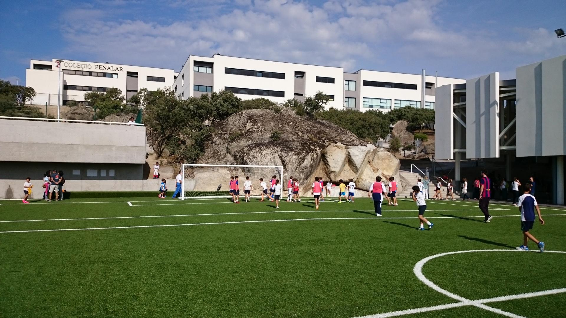 Inaugurado el nuevo polideportivo del Colegio Peñalar