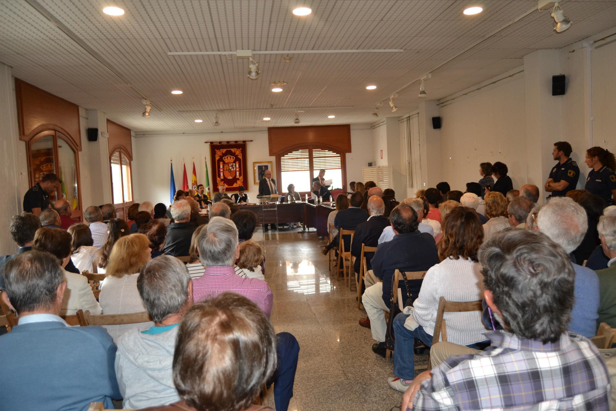 Un gobierno en minoría y un Pleno con mayoría de mujeres en Hoyo