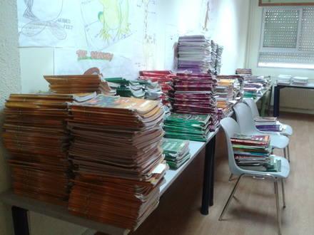 El AMPA del Instituto Diego Velázquez recoge un millar de libros que no tendrán uso con la nueva Ley