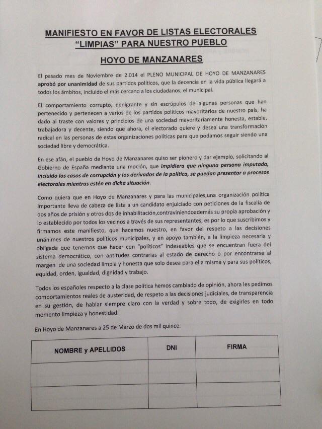 Firmas para unas listas electorales limpias de imputados en Hoyo de Manzanares