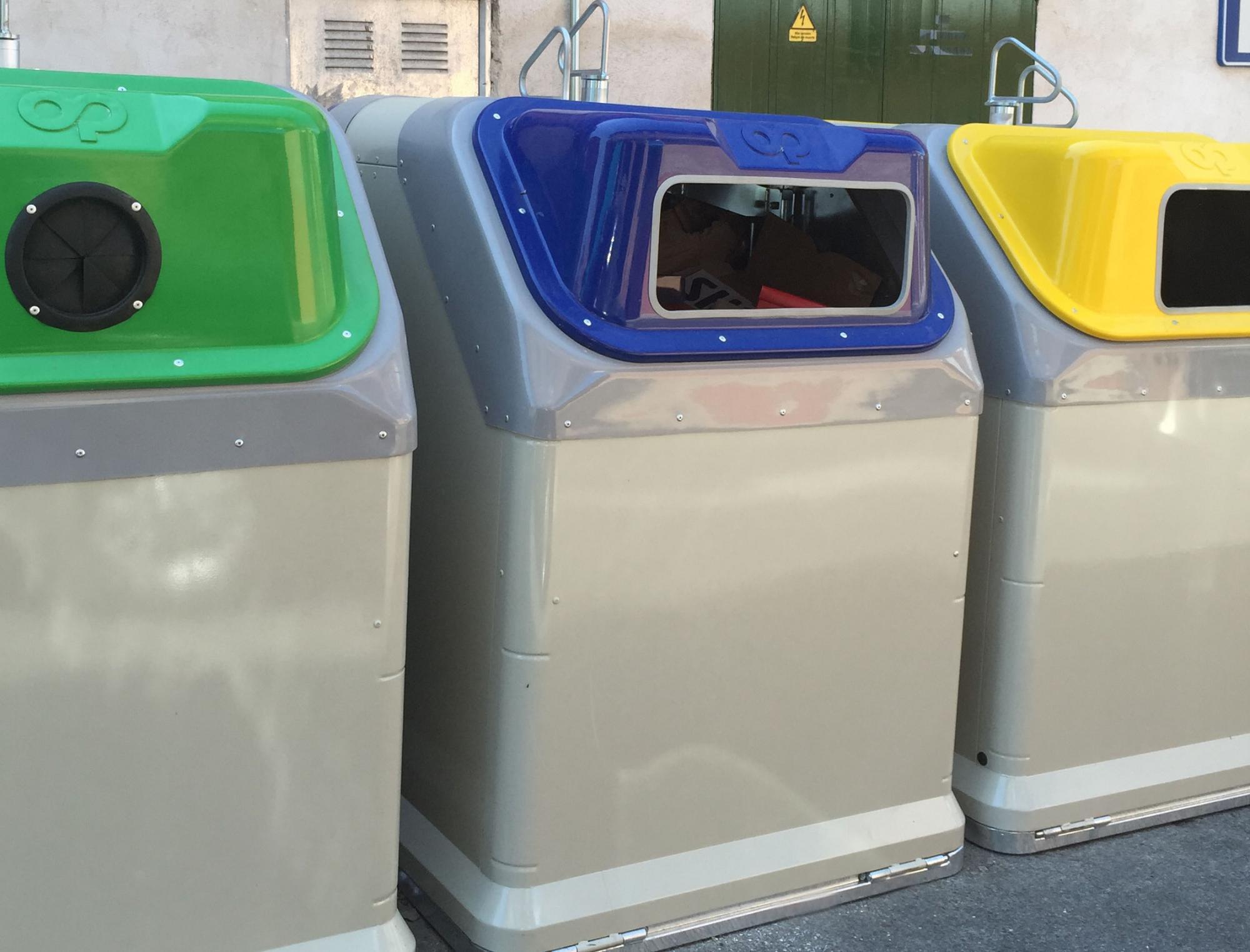 Galapagar renueva contenedores en el casco urbano