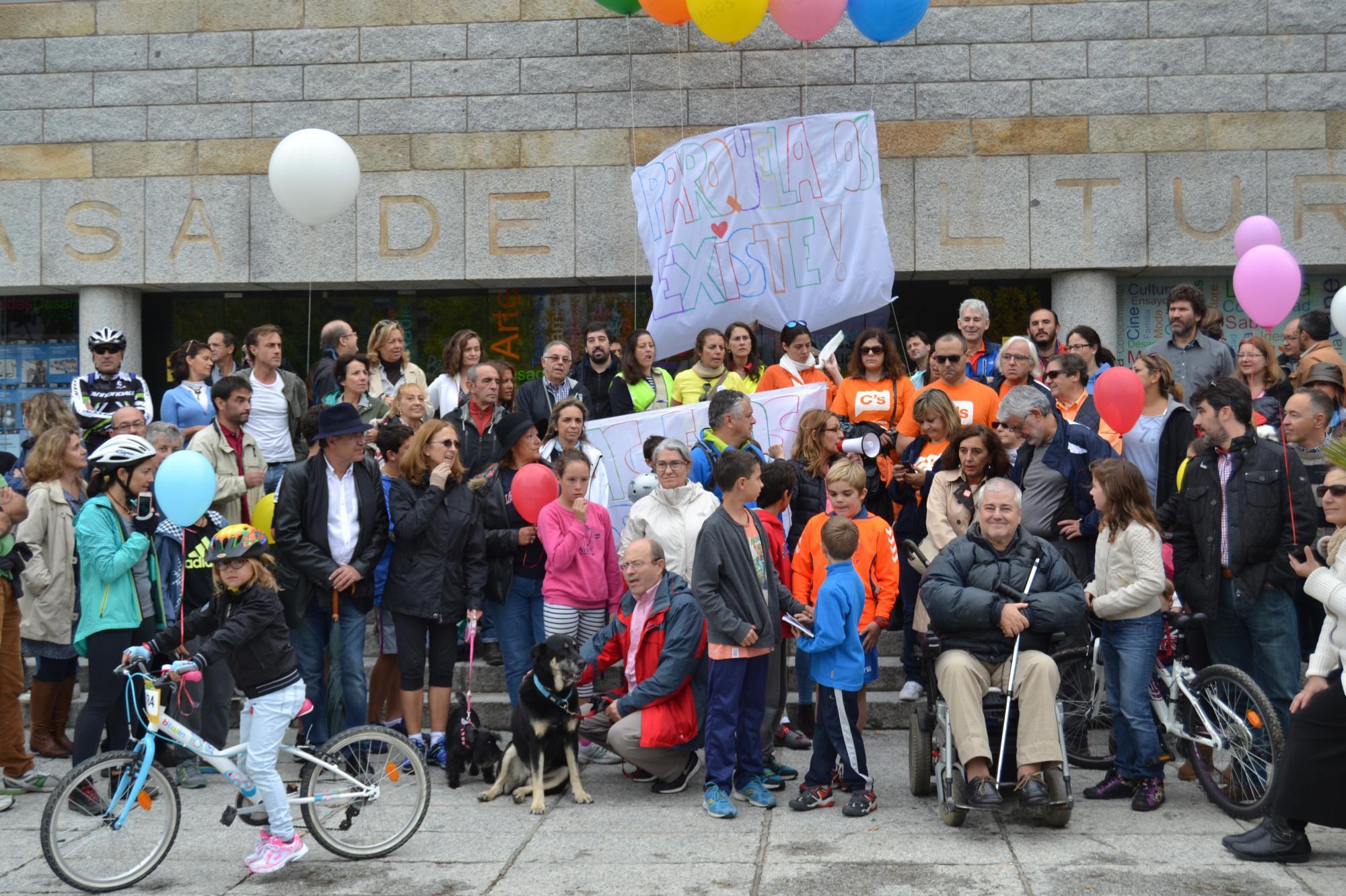 Parquelagos llega a la Colonia a pie y en bicicleta