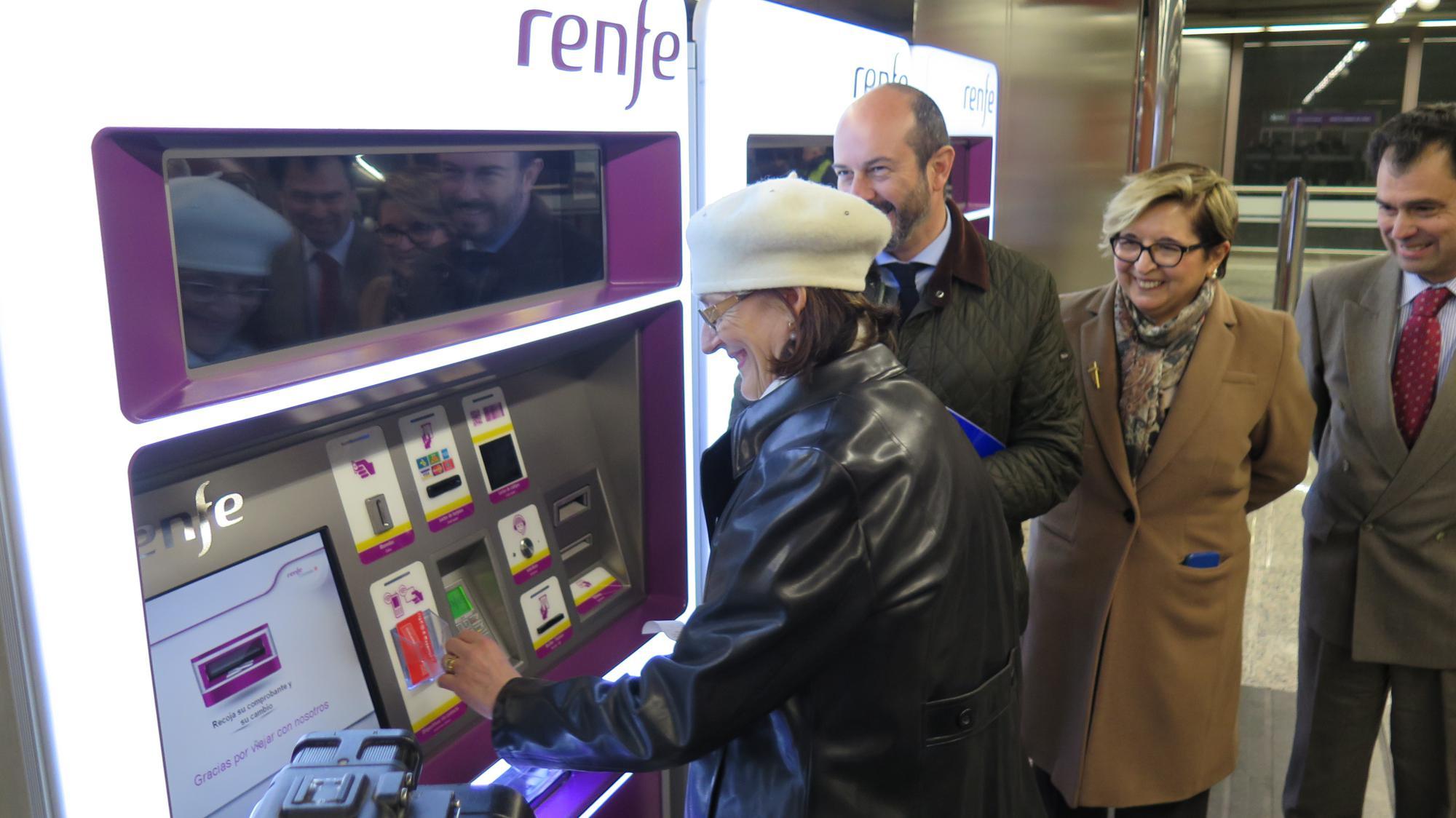 El abono transportes se podrá recargar en las máquinas de Cercanías