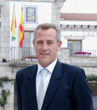 Regueiras, el actual alcalde de Hoyo, actualmente imputado, nombrado de nuevo candidato a la Alcaldía