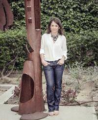 Conocemos a Elena Biurrun, actual alcaldesa de Torrelodones y candidata a la alcaldía de Vecinos x Torrelodones