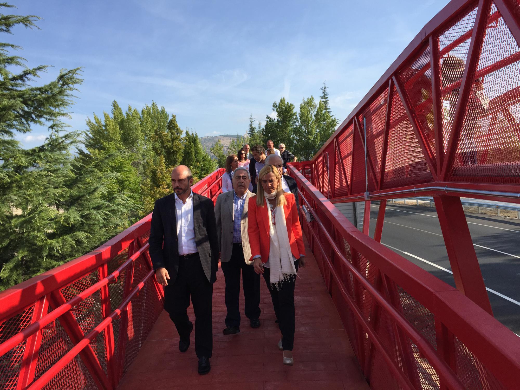 Abierta la nueva pasarela peatonal sobre la M-601 en Collado Villalba