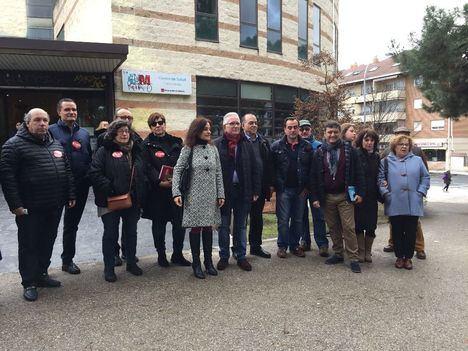 PSOE y sindicatos muestran su rechazo a la reducción de horarios en los centros de salud