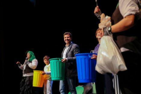 Los 'peque recicladores' compiten para ser los que más vidrio reciclan