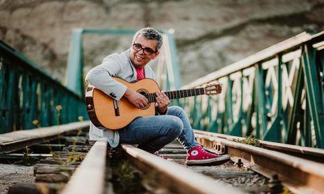 Pedro Guerra, en el ciclo de conciertos Básicos Bulevar