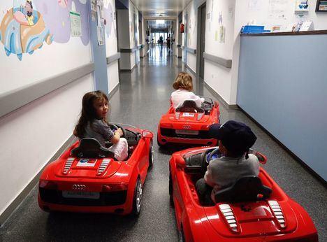 Coches eléctricos para los pequeños pacientes de los hospitales madrileños