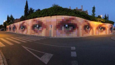 Miradas pixeladas para decorar un muro en Torrelodones