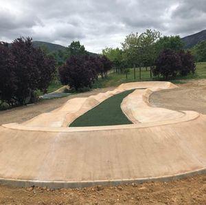 El Parque de La Manguilla estrena circuito de 'pump track'