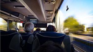 Un autobús facilitará el voto a los vecinos con movilidad reducida