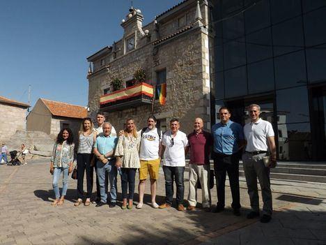 La bandera arcoiris ondea en el Ayuntamiento de Collado Villalba