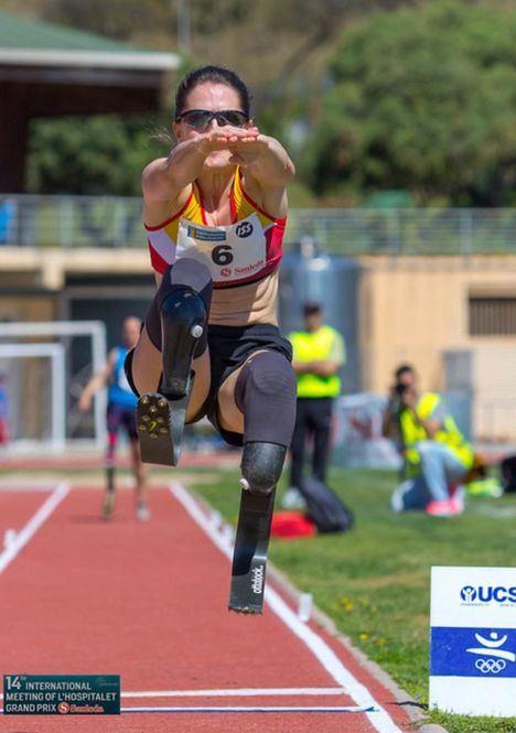 Sara Andrés consigue el récord mundial de salto de longitud