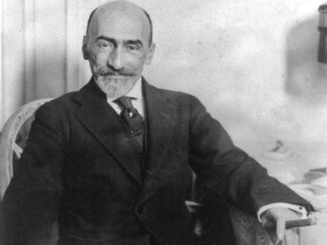 Homenaje a Jacinto Benavente en el aniversario de su muerte