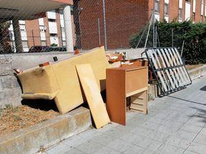 El Ayuntamiento recoge gratuitamente y a domicilio los muebles viejos