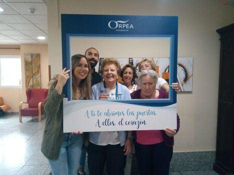 Visitantes y residentes en la Residencia ORPEA de Collado Villalba