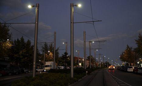 La iluminación de Metro Ligero se encenderá automáticamente por la noche
