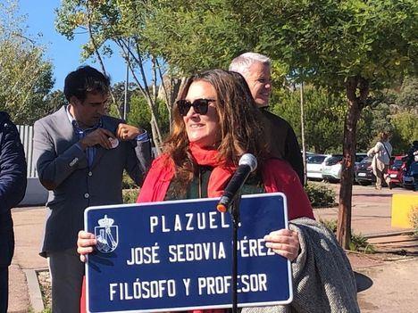 Homenaje a Pepe Segovia junto al IES Diego Velázquez