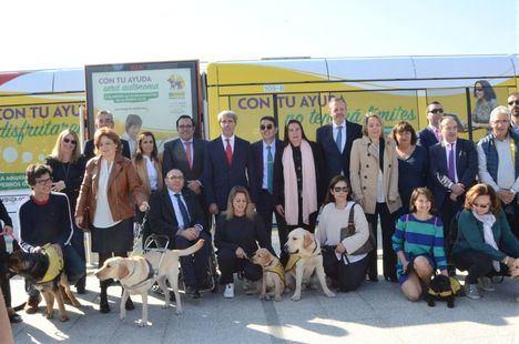 Campaña de concienciación en Metro Ligero sobre los perros guía
