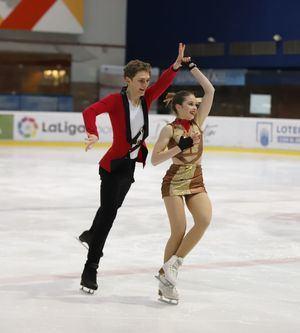 Sofía Val revalida el campeonato junior de danza