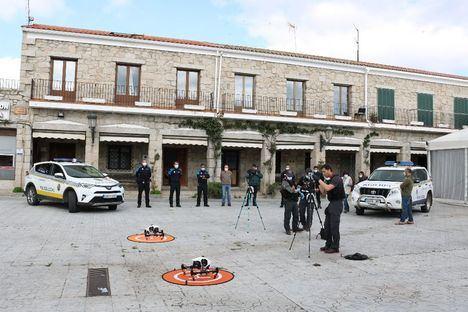 Operación policial con drones en Hoyo de Manzanares