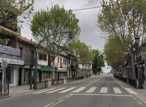 Guadarrama decide no peatonalizar el centro tras reunirse con los comerciantes