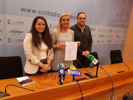 Barrantes (izquierda) junto a la alcaldesa, Mariola Vargas, y el primer teniente de alcalde, Bernardo Arroyo, en una imagen de archivo