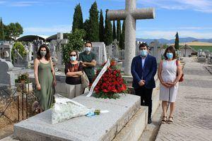 Flores y un video para recordar a Jacinto Benavente en Galapagar