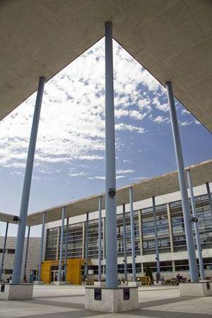 La sala de estudio de la Biblioteca Miguel Hernández de Collado Villalba abre con cita previa