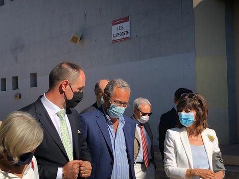 El consejero de Educación visita las obras de ampliación del IES de Alpedrete