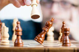Partidas simultáneas de ajedrez en Moralzarzal con la campeona de Madrid sub10