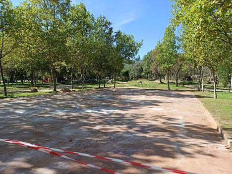 El Escorial construye una nueva pista deportiva al aire libre en La Manguilla
