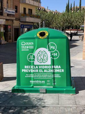 Las Rozas invita a reciclar vidrio a beneficio de los enfermos de Alzheimer