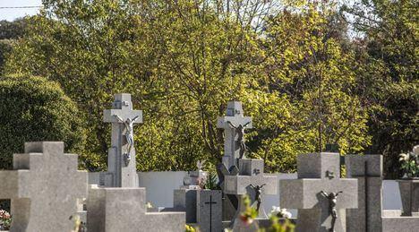 Los cementerios de la Sierra se preparan para Todos los Santos con controles de aforo y otras medidas