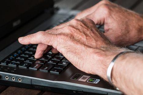 La UNED Senior ofrece 22 cursos on line desde su sede de Collado Villalba