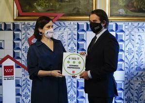 El sello de Garantía Madrid identifica a los establecimientos de hostelería con medidas antiCOVID-19