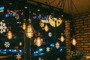 El Escorial premia las mejores decoraciones navideñas de fachadas, balcones y escaparates