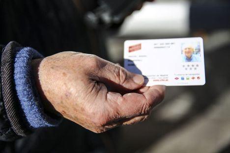 Los mayores de Las Rozas tendrán el abono transporte anual gratuito desde 2021