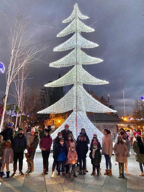 El Escorial inaugura la Navidad con el Belén municipal y el alumbrado navideño