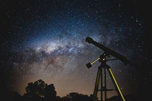 Hoyo nos invita a observar la conjunción de Júpiter y Saturno los días 18 y 20 de diciembre