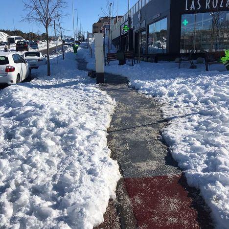 El Ayuntamiento de Las Rozas coordina a más de un centenar de voluntarios para retirar hielo
